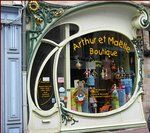 pretty art nouveau Paris shop front