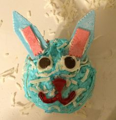 Pinterest Fun Fridays on Foster: Easter Cupcakes | Her Campus BC