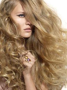Hair:  Golden-blond mane.