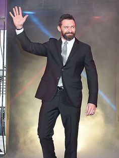 You clean up nice, Hugh! Jackman suits up for the X-Men: Days of Future Past premiere at Tokyo's Roppongi Hills Arena. http://www.people.com/people/gallery/0,,20820433,00.html#30162566