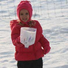 Milk jug snow scoop #diy #MilkJugs