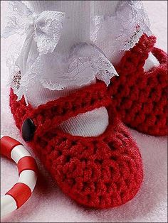 Mary Janes Easy Crochet Baby Booties