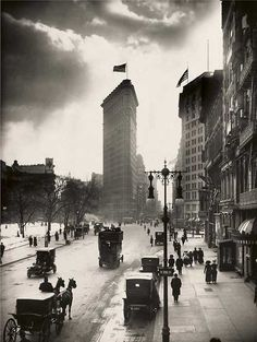 National Geographic, Flatiron Building, New York. W.W. Rock. 1918