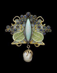 Art Nouveau brooch.