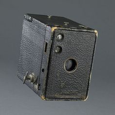 Bernice Ellis' Kodak Brownie Camera @National Museum of American History, Smithsonian