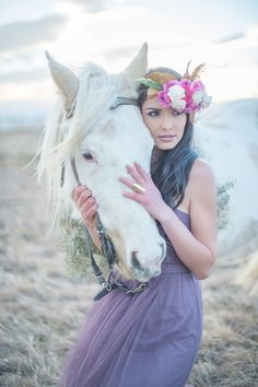 Photography: Shannon Von Eschen of Shalynne Imaging - shalynneimaging.com  Read More: http://www.stylemepretty.com/southwest-weddings/2014/04/25/winter-bridal-shoot/