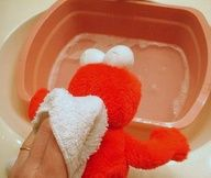 How to clean stuffed animals that cannot go through the washer! Good to know!    by MamaLaundry      -