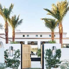 "The Cali Design▪️Amy Quick on Instagram: ""Now That's An Entrance 🌴 Designed by @studiolifestyle_ . . . . . #californialove #californiastyleathome #architecture #desertlife…"""