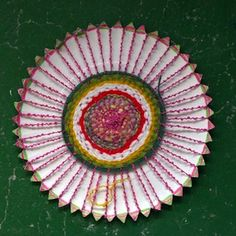 Paper Plate Weavings - Things to Make and Do, Crafts and Activities for Kids - The Crafty Crow cottage crafts, activities for kids, plate weav, weaving crafts for kids, art, bambini fai, papers, fun, paper plates