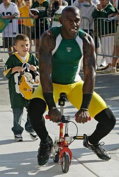 Packers players have been riding children's bicycles to training camp practice since the Vince Lombardi era. #quickie #DD #donalddriver #80 #packers #nfl #trainingcamp #bicycles #vintage