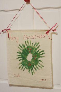 Handprint wreath of children