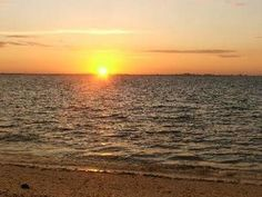 Sanibel, FL: Come Relax & Enjoy a Great Vacation at our Clean & Spacious Condo, Just Steps from the Beach. Take a walk along the Sandy Beach & Experience the Breat...