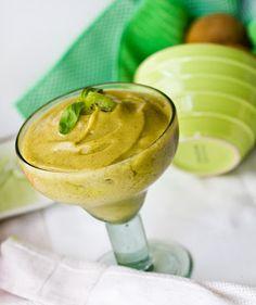 kiwi-basil-smoothie