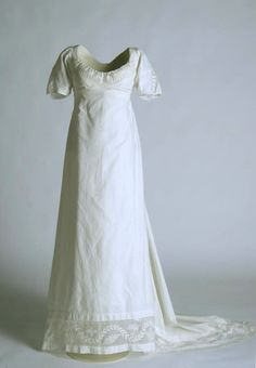 Dress ca. 1798-1805 From the Museo del Traje
