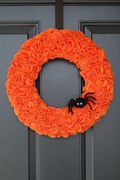 DIY Halloween Decor DIY Halloween Crafts: DIY pinked felt wreath
