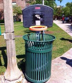 """una gran idea para """"motivar"""" a ser responsable con los residuos en la vía pública"""