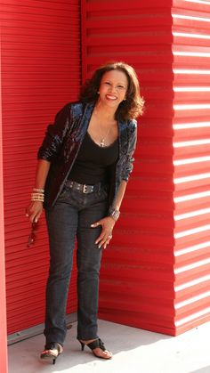 Ep#191 - Candi Staton - Candi Staton tells the story about her early days in music, how she met Rick Hall of FAME studios and plays tracks from Life Happens. Also on this episode, blues rock from Tommy Malone, country from Moot Davis, alt-folk from The Secret Sisters, soulful blues from Brigitte DeMeyer, honky tonk from John Howie Jr. and the Rosewood Bluff and retro soul from St. Paul & The Broken Bones.