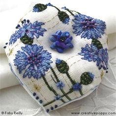 Cornflower Biscornu cornflower embroidery, pincushion, crossstitch, des biscornus, broderi, cross stitch, cornflow biscornu, biscornu tutori, embroideri