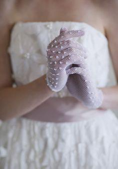pearl bridal gloves - gorgeous!