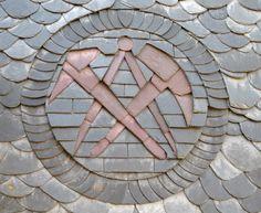 Schiefer-Ornament des Dachdecker-Handwerks, Detailaufnahme. Von der Dachdeckerei Dirk Matera GmbH in Remscheid (42857)   Dachdecker.com