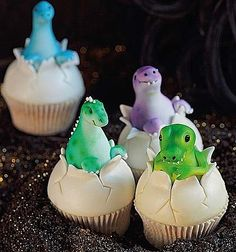 delicious cupcake cupcake - if James ever has a dinasour party these are kind of cool