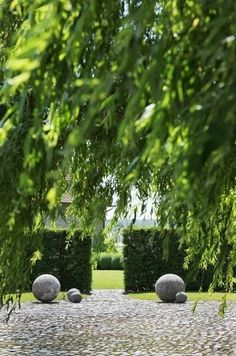 Garden at Vaucelleshof, Damme