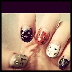Adorable cat nail mani!