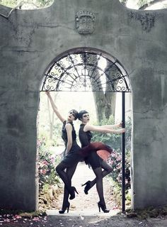 PARIS JE T'AIME -  Photographer: Steven Meisel  Magazine: Vogue US  Model: Coco Rocha, Agyness Deyn, Sasha Pivovarova, Guinevere van Seenus, Caroline Trentini, Gemma Ward