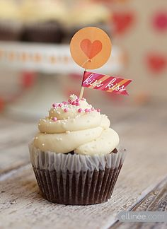 Printable Valentines Day heart cupcake topper