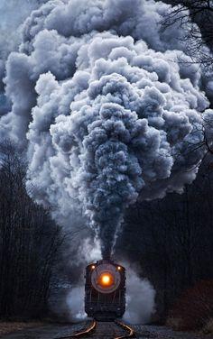 powerful-train-locomotive