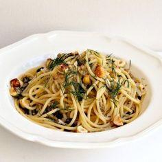 Spaghettoni with Sardines and Hazelnuts
