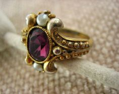 Vintage Gold Tone Metal Faux Pearl Faux Amethyst Avon Victorian Styling Ring US 6.5  .....3311