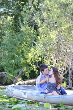 'Kiss The Girl' Inspired Row Boat Engagement Shoot | Bridal Musings