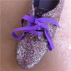 DIY glitter shoes!