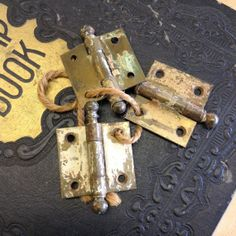 Vintage hinges brass / hardware/ industrial hinge/ rustic hinge/ rusty gold/ chippy peely / flea market chic/ cottage chic/ supplies hinges