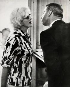 Here DiMaggio & Monroe 8 years after their divorce, 6 months before her death: pic.twitter.com/1lfaLbSiYl