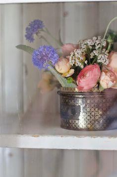 Vintage Whites Blog: Inspired display flower, thrift treasur