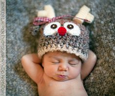 Not a free pattern but I think I could adapt a free one to make my own version of this baby reindeer hat