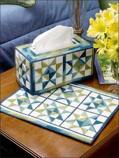 """Ohio Star"" Tissue Cover & Place Mat - plastic canvas"
