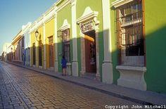 Restored Spanish colonial buildings in the City Of Campeche, Mexico. Campeche is a UNESCO World Heritage Site. coloni build, época coloni, coloni citi, spanish coloni, la época, heritag site