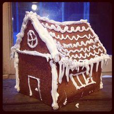 Maison en pain d'épices fait maison - Homemade Gingerbread house #cuisine #food #faitmaison #homemade #cooking #eating #foodgasm #maison #paindépices #cake #gâteaux #pâtisserie #intafood #instagood #foodpic #yummy #homemade #alsacien #allemand