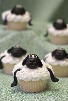 Sheep cupcakes.. tooo cute!!