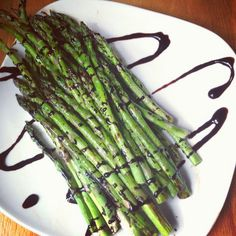 Balsamic Glazed Roasted Asparagus -- the best way to eat asparagus!