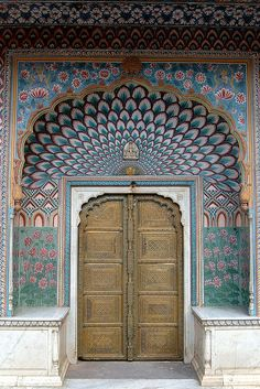 palace door, Courtyard of Pritam Niwas Chowk , City Palace, Jaipur, India | Vindemiatrix via Flickr