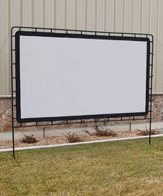 Entertainment Gear 132'' Indoor/Outdoor Projection Screen