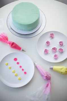 how to make buttercream flowers - coco cake land for craftsy