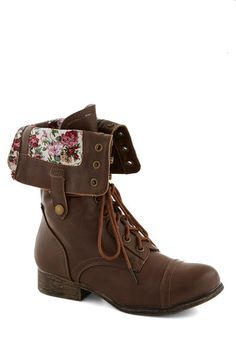 Floral fold-over boots! #fallmusthave