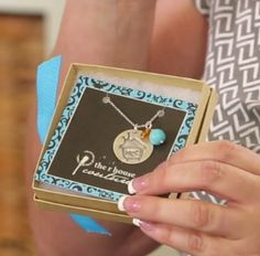 MY CRAFT STUDIO: LEISHA KELSEY Today Kristine McKay hosts Leisha from The R House Couture. She shares how to stamp on metal to create beautiful customized silver jewelry. And she shares how they create custom jewelry pieces for company logos and special occasions. To find out more abut their products visit their Etsy shop at https://www.etsy.com/shop/therhouse  #mycraftchannel #mycraftstudio #DIY #jewelry #rhousecouture