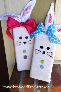 Cute bunny craft using a tube sock and a 2x4 block