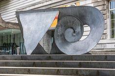 Public Art In Belfast (Ulster Museum)